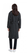 Con cuello de pelo y de lana jaspeada de Sandro - http://us.sandro-paris.com/marieta-long-belted-wrap-coat.html?___store=sandro