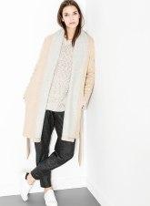 De lana con interior a contraste de Uterqüe - http://www.uterque.com/es/es/colección/prenda-exterior/abrigo-albornoz-c334510p5069502.html?color=450